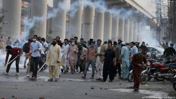 Penangkapan Pemimpin Partai Islam Picu Protes di Pakistan