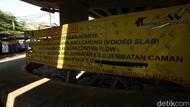 Foto Proyek Pelebaran Jembatan Kali Cakung yang Tak Kunjung Rampung