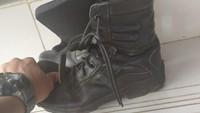Ini Sepatu yang Diperkarakan Petugas Damkar Depok Pembongkar Korupsi
