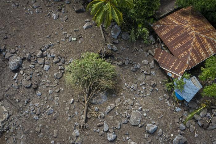 Sepekan banjir bandang dan tanah longsor telah berlalu di Pulau Lembata dan Pulau Adonara, Nusa Tenggara Timur.