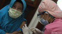Menkes Akui Target Vaksinasi COVID-19 Harian Berkurang, Ini Sebabnya