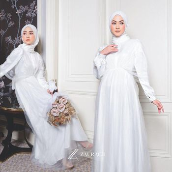 Koleksi long dress dari Zaurach.co