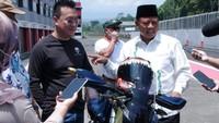Momen Wagub Jabar Uu Ruzhanul Geber Motor Listrik Adventure di Sentul