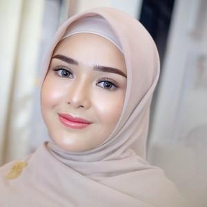 7 Foto Pesona Amanda Manopo Pakai Hijab, Didoakan Netizen Jadi Mualaf
