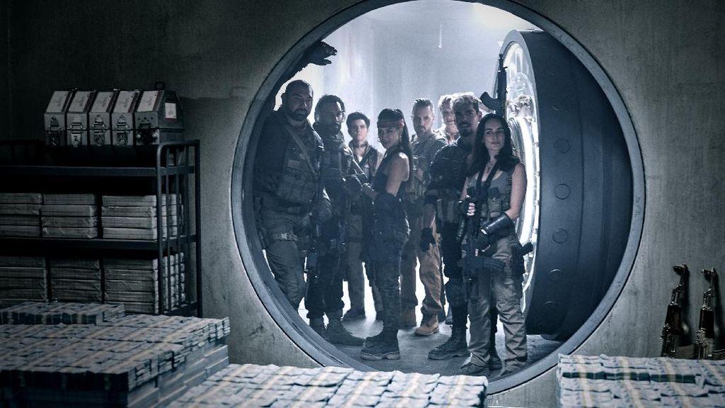 Nonton 15 Menit Pertama Army of The Dead Bareng Zack Snyder