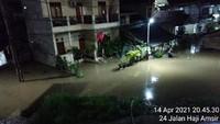 Hujan Deras dan Luapan Kali Sunter, RW 04 Cipinang Melayu Terendam Banjir