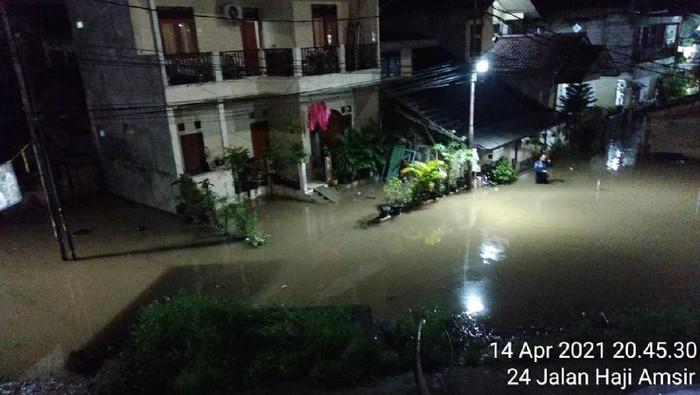 Banjir di RW 04 Cipinang Melayu