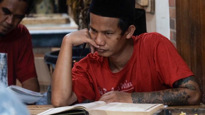 Cara Anak Punk Isi Ramadhan di Pondok Tasawuf Underground