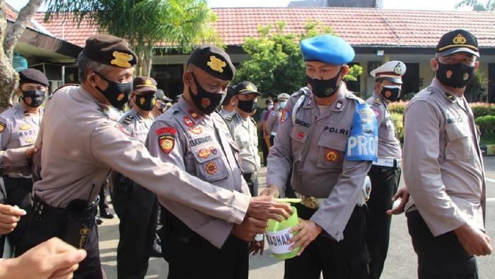 Celengan Ramadhan Polisi Kota Kediri Bantu Sesama