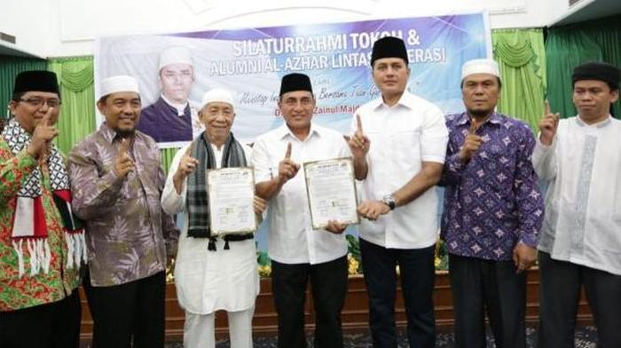 Edy Rahmayadi dan Musa Rajekhshah Bersama Perwakilan Pengurus GNPF Ulama Sumut dan surat komitmen politik yang dibuat jelang Pilgubsu 2018 lalu (dok GNPF Ulama Sumut)