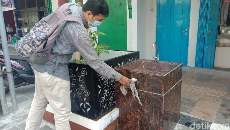 Fasum hilang di Kudus City Walk