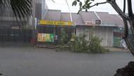 Banjir Terjadi di Bekasi Usai Hujan Es Mengguyur