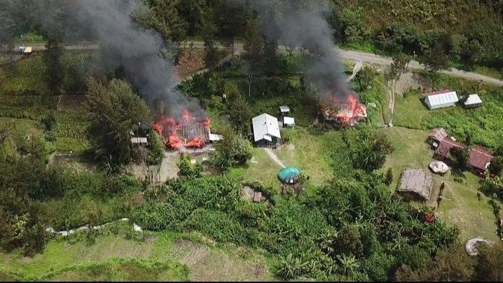 Kacau! KKB Bunuh Warga Puncak Papua Lagi, Rumah Wakil Ketua DPRD Dibakar