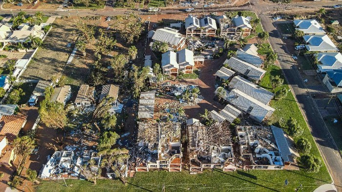 KALBARRI, AUSTRALIA - APRIL 12: Damaged buildings along the Kalbarri foreshore are seen on April 12, 2021 in Kalbarri, Australia. The tourist town of Kalbarri on Western Australia's mid-west coast was hit by cyclone Seroja on Sunday 11 April. Winds reached up to 170km per hour, with about 70 percent of Kalbarri's buildings damaged. Many residents remain without power or telecommunications as clean-up operations begin. (Photo by Yvonne McKenzie/Getty Images)