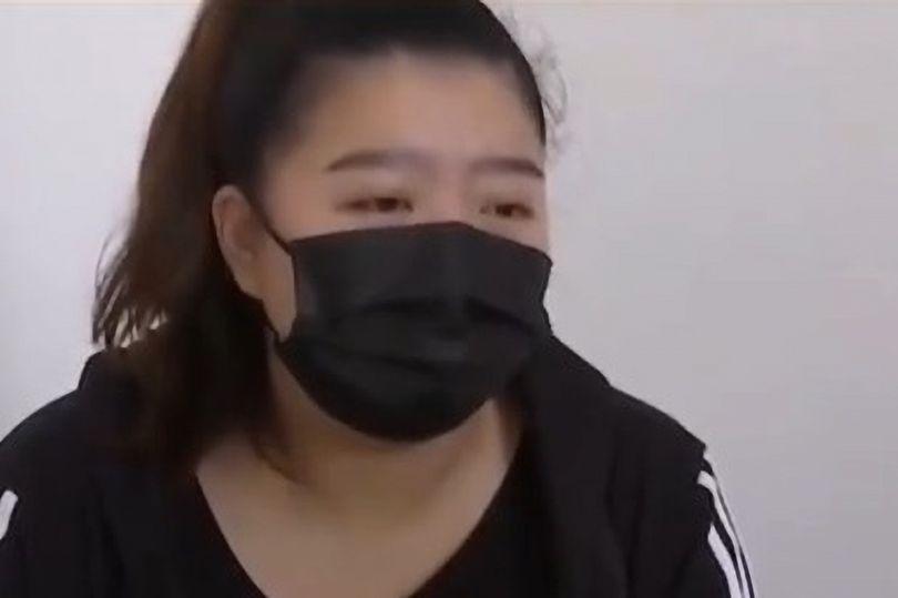Tak Sengaja Minum Air Es Isi Disinfektan, Perut Wanita Ini 'Terbakar'!