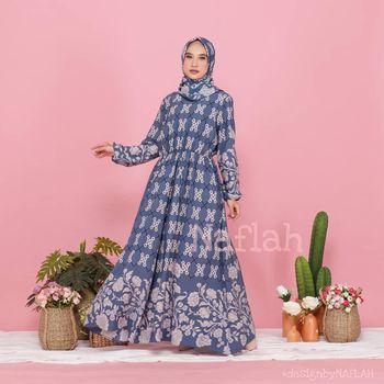 Koleksi long dress dari Naflah Fashion Official.