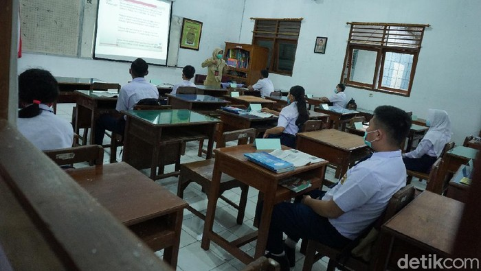 Uji coba pembelajaran tatap muka di SMPN 1 Boyolali, Rabu (14/4/2021).