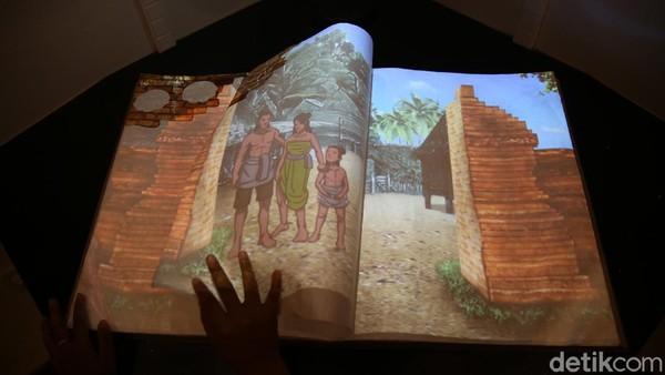 Ada juga lembaran buku besar disorot lampu yang tiap lembarnya dapat mengeluarkan suara menjelaskan Bekasi pada masa Kerajaan Tarumanegara.