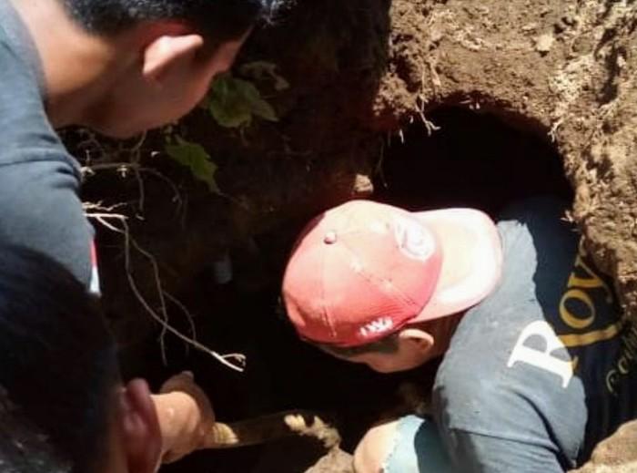 Warga Bondowoso Temukan Kubur Bilik Diduga Peninggalan Prasejarah