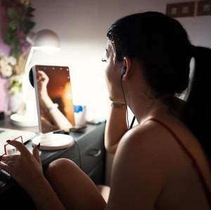 Gaji Dipotong karena Pandemi, Pria Beristri Pura-pura Jadi YouTuber Seksi