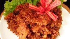 Resep Pembaca : Ayam Serundeng Pedas yang Gurih Harum
