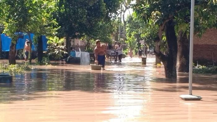 banjir di madiun rendam rumah warga
