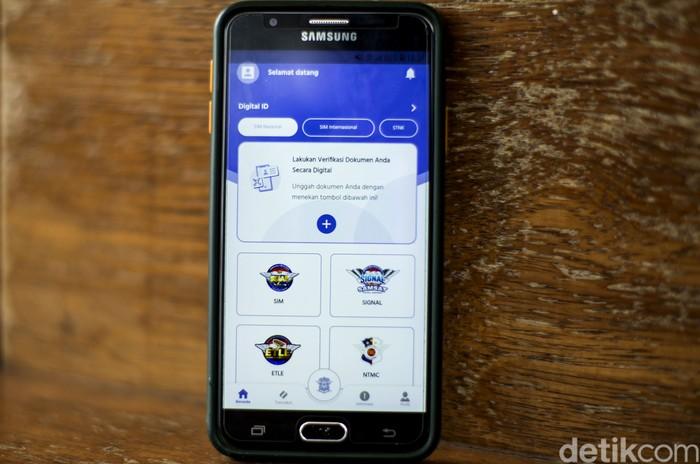 Aplikasi untuk mengurus Surat Izin Mengemudi (SIM) secara online telah diluncurkan beberapa hari lalu. Meski begitu, aplikasi itu tampak tak bisa diakses.