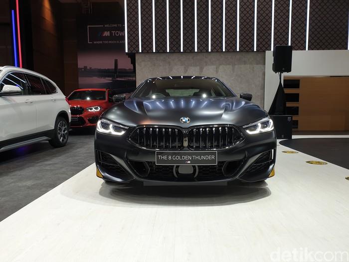 BMW memamerkan seri 520i M Sport dan 530i Opulence, serta 840i Gran Coupe Golden Thunder Edition di IIMS 2021