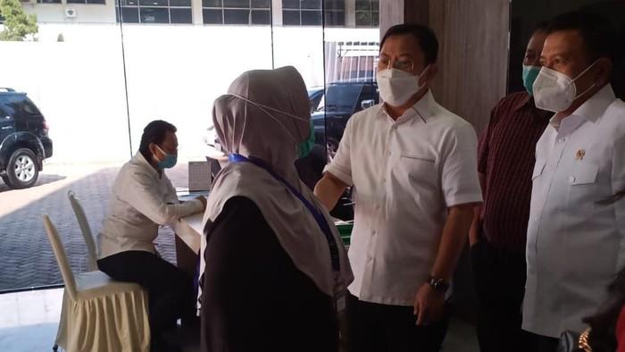 Eks Menkes Siti Fadilah Supari bersama dr Terawan