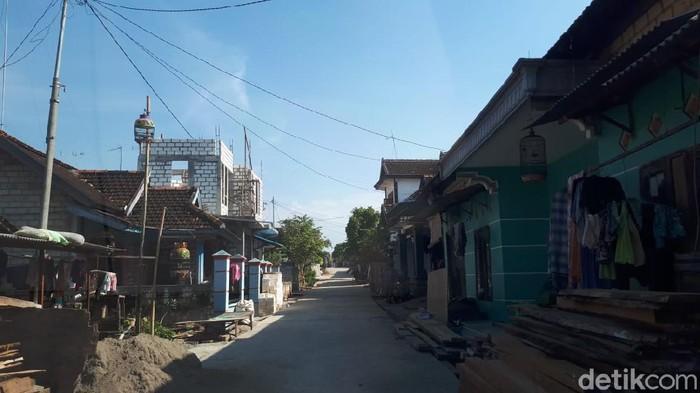 Kampung Miliader di Tuban menjadi perhatian dalam beberapa waktu terakhir. Lalu, seperti apa suasana Ramadhan di kampung tersebut.