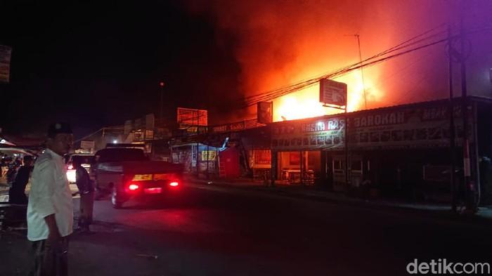 kebakaran di lamongan