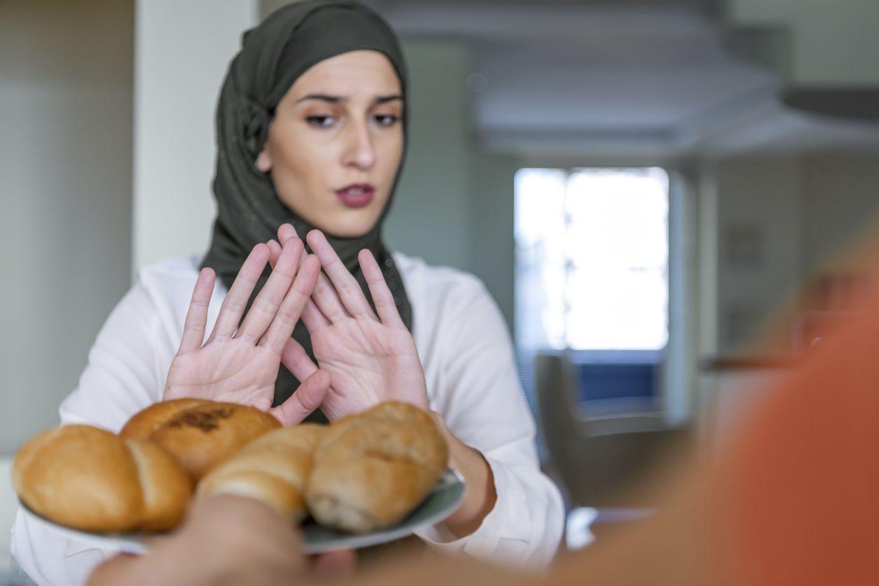 Kebiasaan Makan Selama Ramadan Ini Ternyata Bisa Merusak Kulit