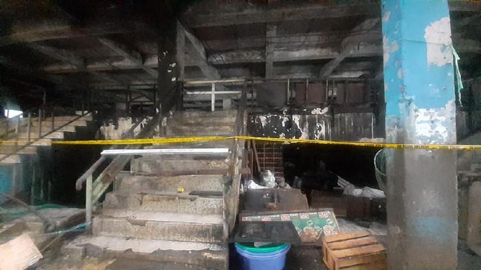 Kondisi Pasar Inpres Pasar Minggu yang terbakar, Kamis (15/4/2021).