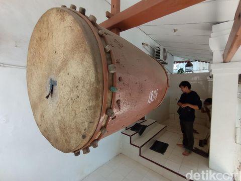 Langgar Tirta Sumirat Keraton Kacirebonan, Kota Cirebon