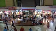 Ngaku Nggak Takut COVID, Pedagang di Pasar Tanah Abang Tak Bermasker