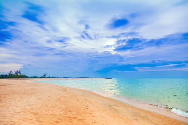 Sebagai kota pelabuhan, Pattani juga punya pantai-pantai yang cantik.(Getty Images)