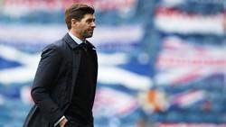 Tidak seperti Benitez, Gerrard Takkan Pernah Latih Everton