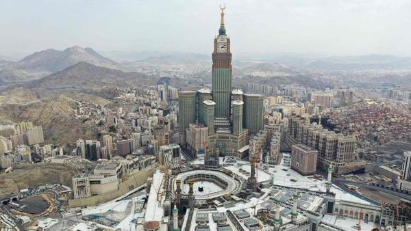 Kementerian Dalam Negeri setempat akan memberi denda sebesar SR 10.000 atau Rp 39 juta bagi jemaah yang masuk ke Masjidil Haram tanpa izin. (AFP)