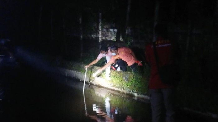 Dua bocah di Kecamatan Sumbergempol, Tulungagung tewas tenggelam di kolam ikan koi.