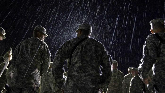Presiden Amerika Serikat (AS) Joe Biden akan menarik pasukannya dari Afghanistan mulai 1 Mei 2021. Keputusan itu diambil untuk mengakhiri konflik puluhan tahun di negara itu.