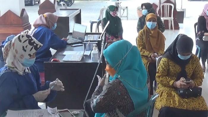 Vaksinasi COVID-19 di Mojokerto