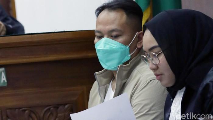 Vicky Prasetyo dan Kalina Oktarani saat ditemui di PN Jakarta Selatan.