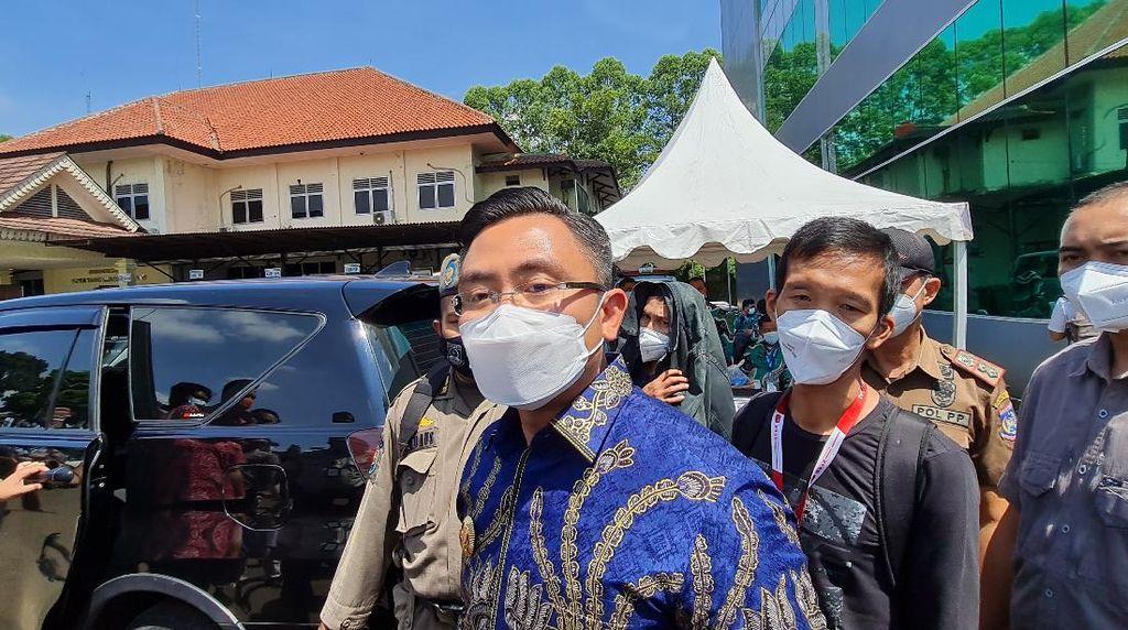 Wagub Banten Perintahkan Tugu Pamulang yang Beda dari Desain Dibongkar