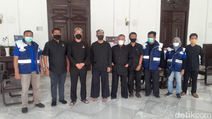 Wakil Wali Kota Bogor Dedie A Rachim dan Kepala Dinas Sumber Daya Air Provinis Jawa Barat Dicky Ahmad Sidik. (Afzal Nur Iman/detikcom),
