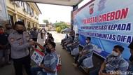 Rona Bahagia Belasan Difabel Cirebon Lulus Uji SIM D