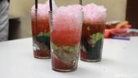 Manis Segar Es Tawon Kidul Dalem yang Melegenda Sejak Tahun 1955