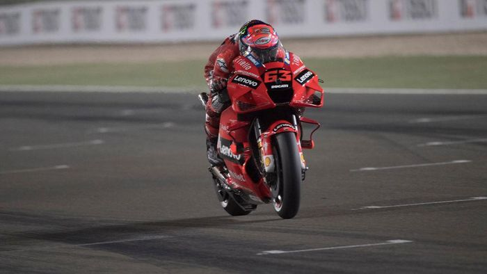 DOHA, QATAR - APRIL 03: Francesco Bagnaia of Italy and Ducati Lenovo Team heads down a straight during the MotoGP of Qatar - Qualifying at Losail Circuit on April 03, 2021 in Doha, Qatar. (Photo by Mirco Lazzari gp/Getty Images)