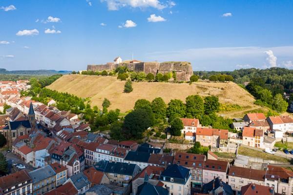 Sejarahnya kota ini pernah diperebutkan selama beradab-abad oleh Jerman. (Getty Images/iStockphoto)