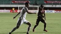 Piala Menpora 2021: Tanda Tanya Alasan Kartu Merah Marco Motta
