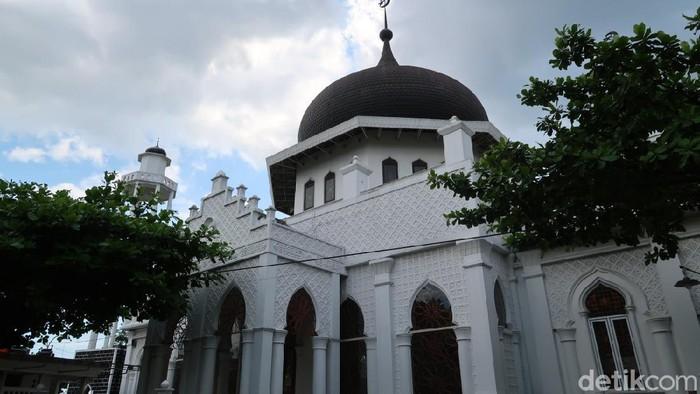 Miniatur Masjid Raya Baiturrahman Aceh yang ada di Bantul, Daerah Istimewa Yogyakarta (DIY)